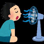 扇風機の前で涼む男の子のイラスト