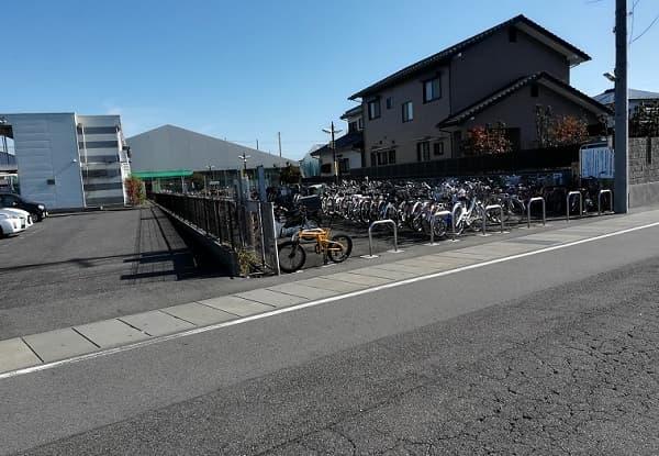 新木曽川駅周辺の駐輪場の写真