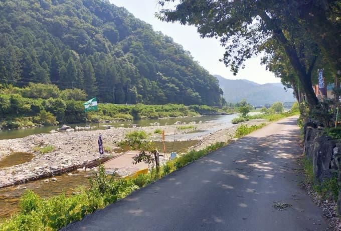 揖斐川町にあるやな付近の風景写真