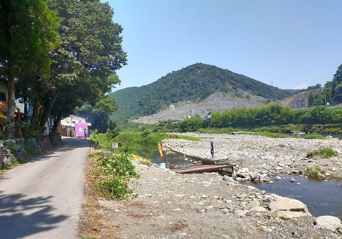 揖斐川町のやなの店の外観写真
