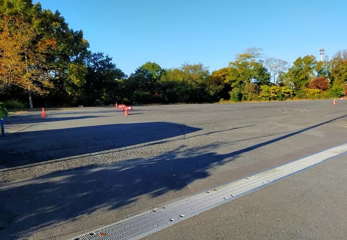 永保寺庭園の第二駐車場写真