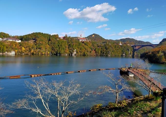 恵那峡の紅葉景色写真