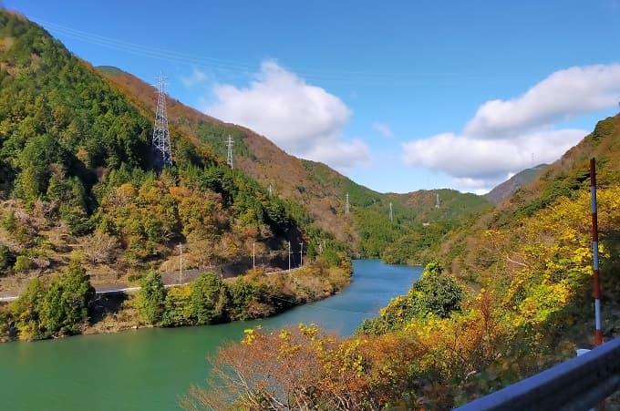 揖斐峡の紅葉写真