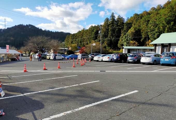 華厳寺の駐車場写真