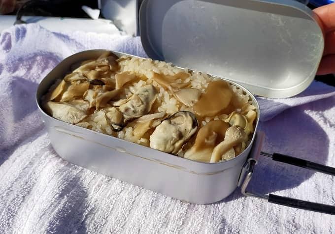 ダイソーメスティンで炊き込みご飯を作った写真