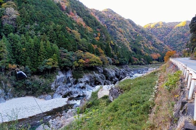 国道41号線の紅葉・渓谷写真