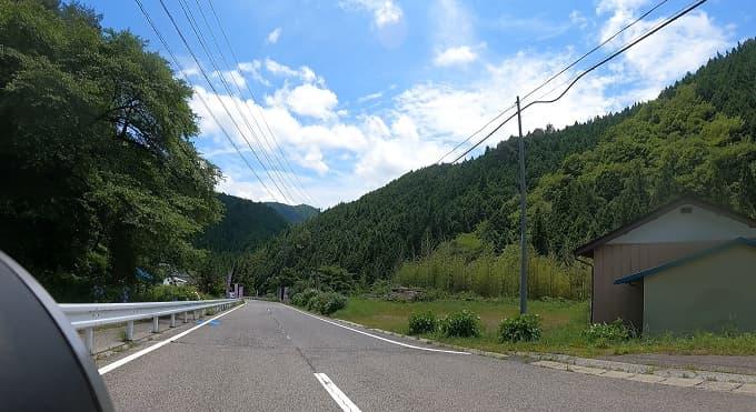 茶臼山周辺の県道506号線